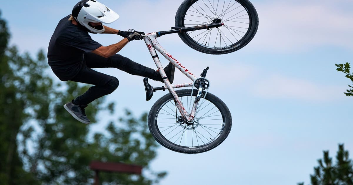 how to do a wheelie on a mountain bike for beginners